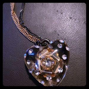 Betsey Johnson 3D rose pendant Necklace 😍